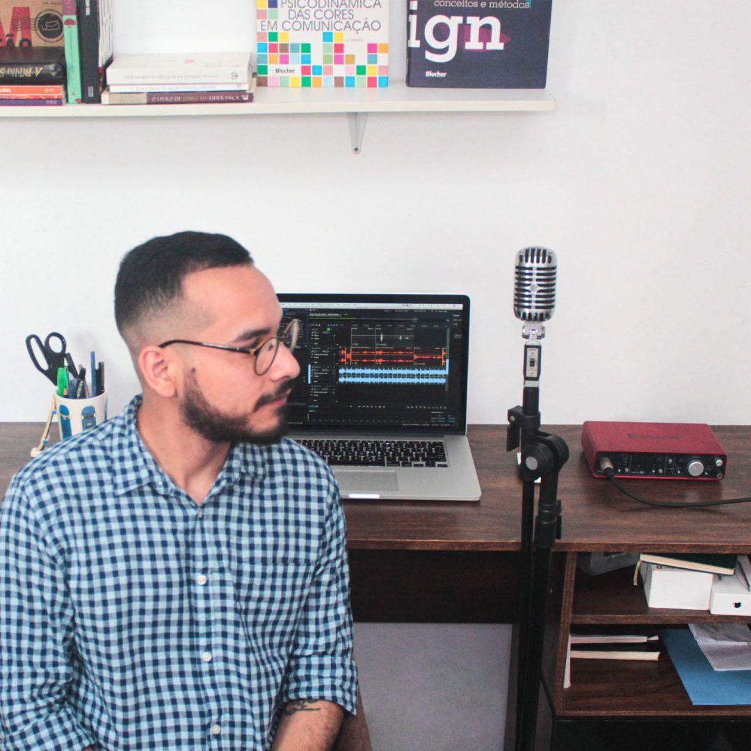 Podcast gratuito sobre design criatividade e empreededorismo com leo tavares